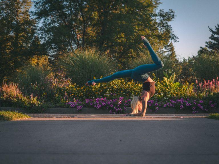 Как научиться делать художественную гимнастику