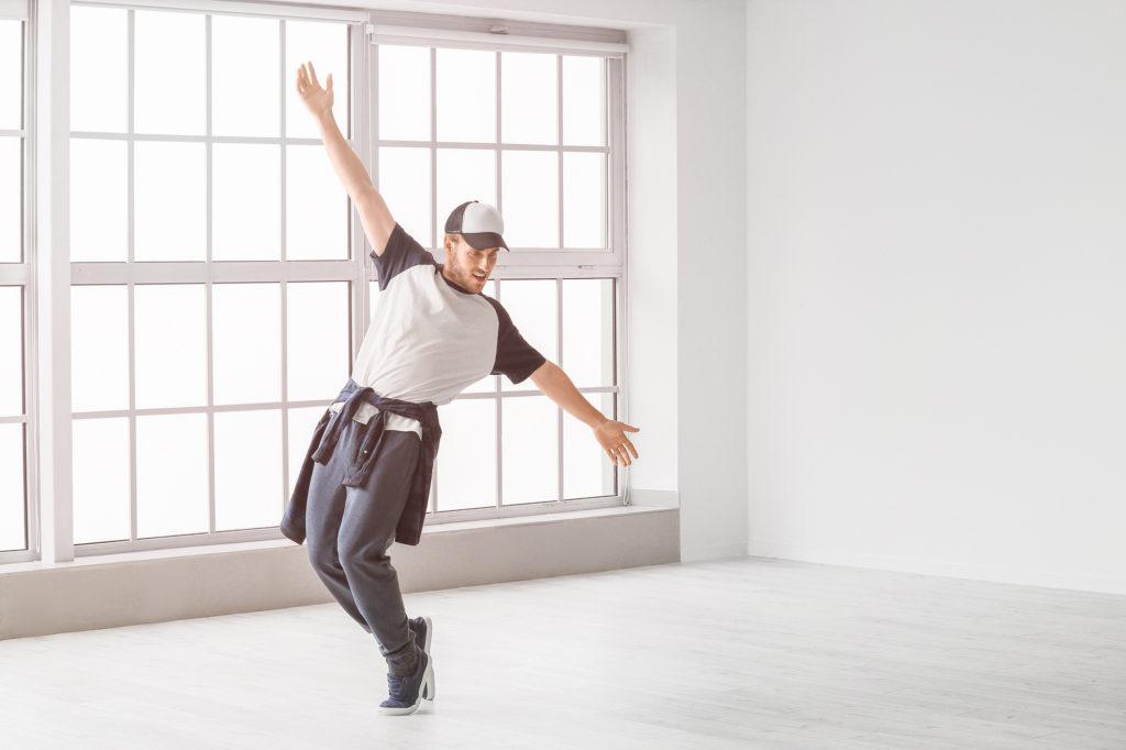 Как научиться танцевать взрослому