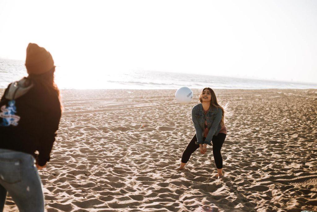 Как тренироваться играть в волейбол