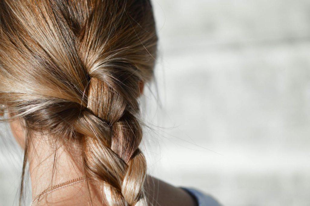 Как научиться плести себе косы