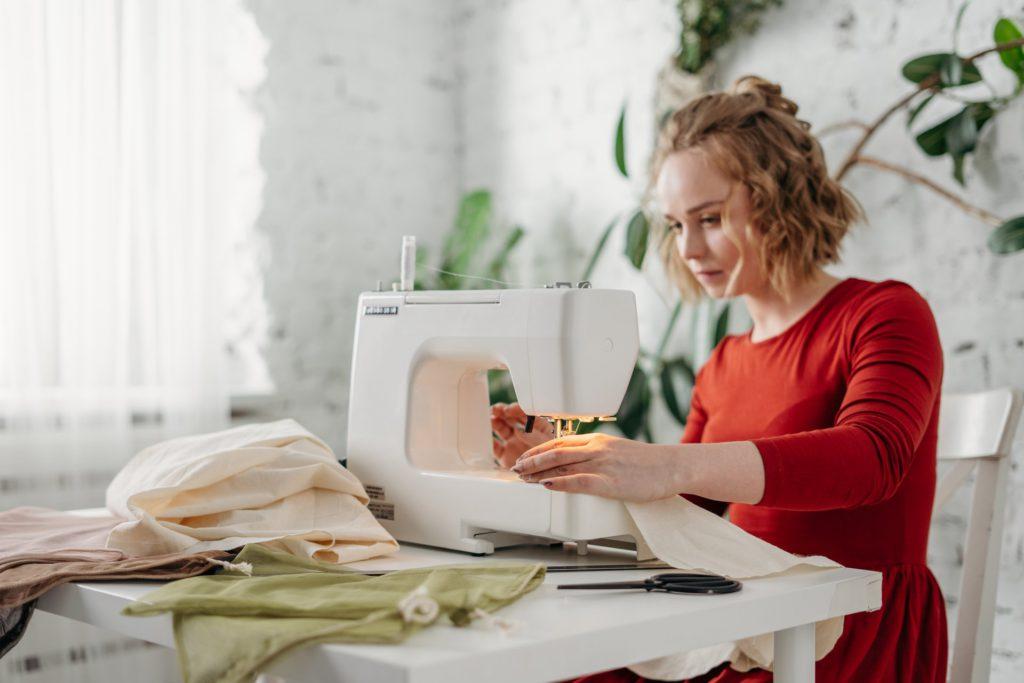 Как научиться шить с нуля поэтапно