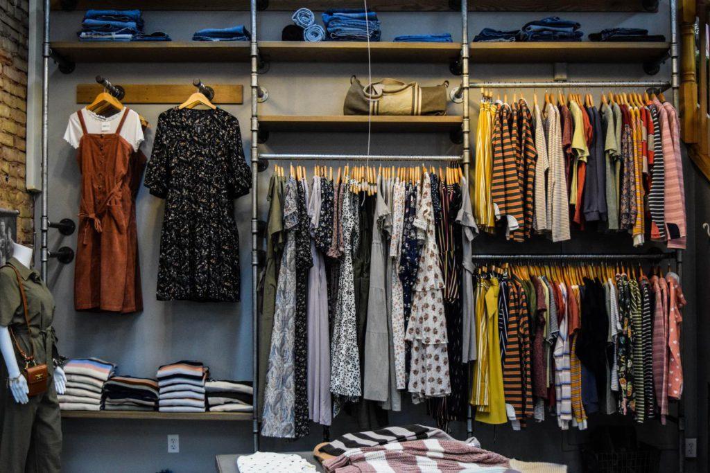 Как научиться подбирать гардероб