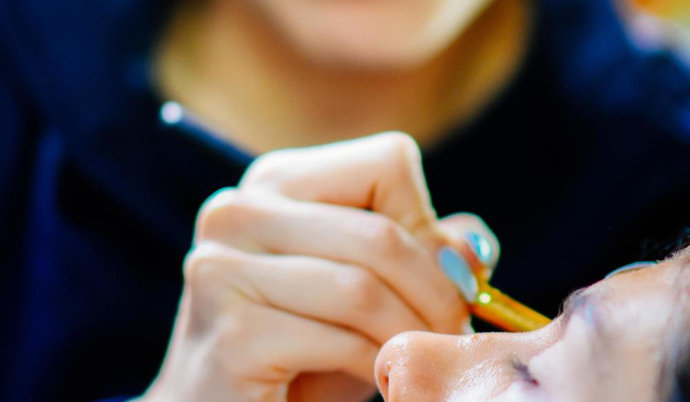 Как научиться красить брови карандашом