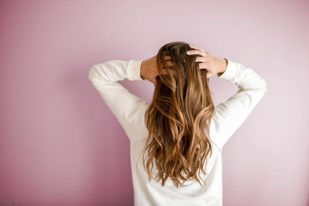 Как научиться делать вечерние прически на длинные волосы