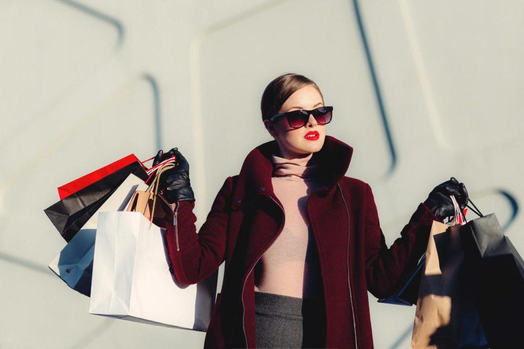 Как научиться красиво и правильно одеваться женщине