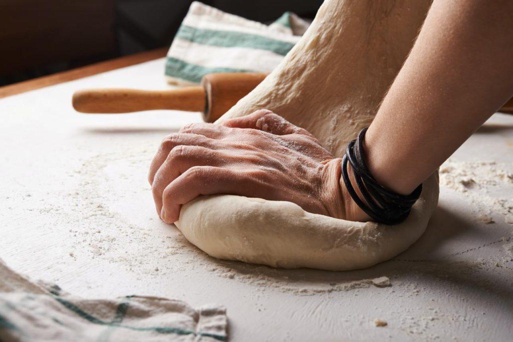 Как научиться печь торты