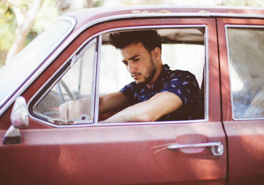 Как научиться ездить на машине с нуля