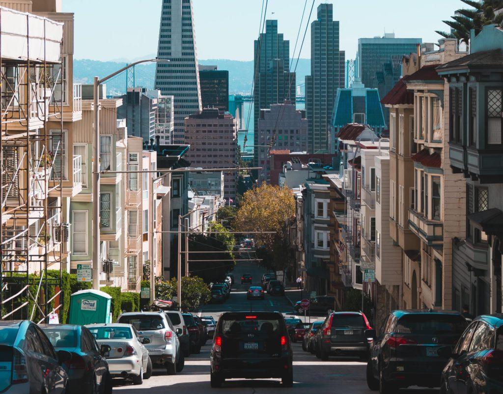 Как научиться ездить на машине по городу
