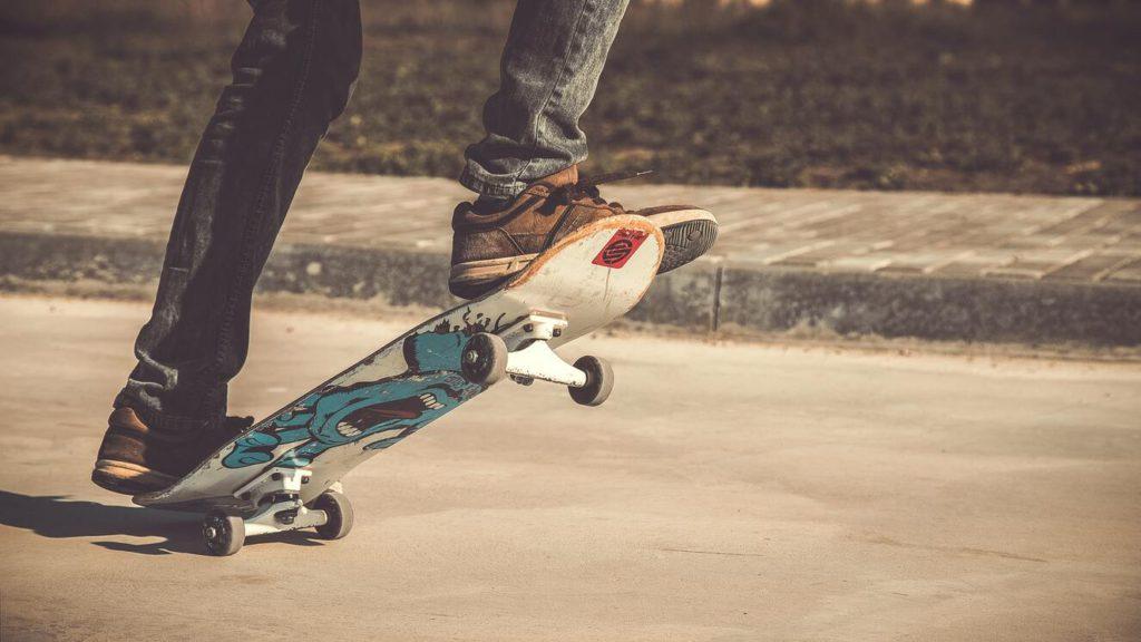 Как научиться основам катания на скейте