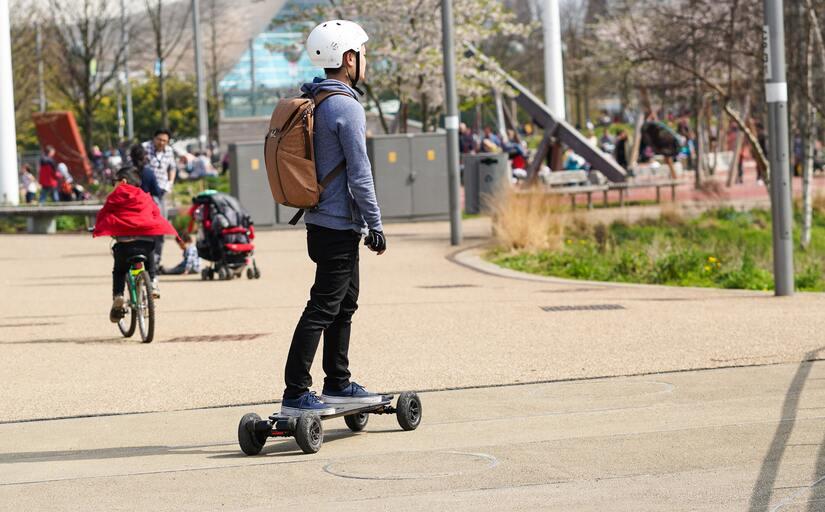 Как научиться ребенку кататься на скейте