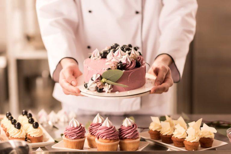 Как научиться украшать торт